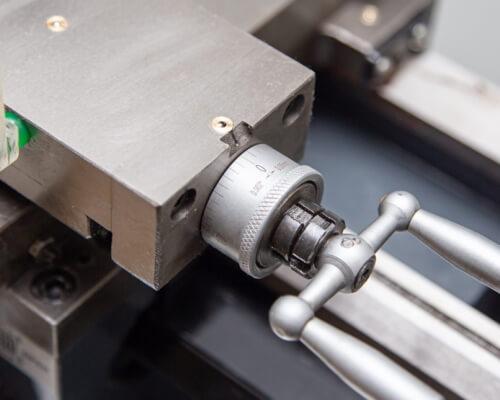 Настольный токарно-винторезный станок Metal Master MasterTurn 2050G