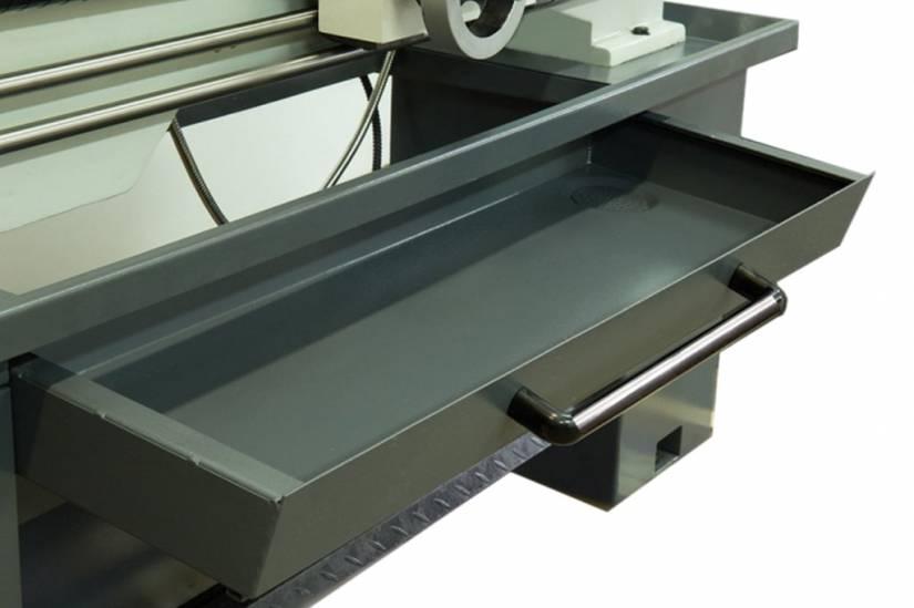 Metal Master X32100м оснащен выдвижным поддоном для быстроты и удобства чистки станка после работы.
