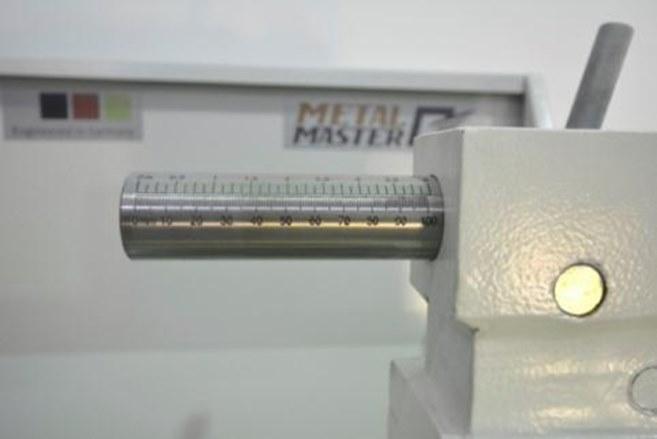 Вылет пиноли задней бабки – 100 мм.