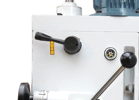 Ручка управления диапозонов скоростей шпинделя.