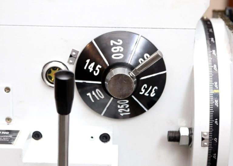 Привод главного движения станка реализует вращение шпинделя в 6 диапазонах скоростей от 80 до 1250 об/мин