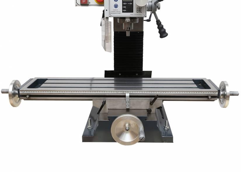 Рабочий стол фрезерного станка перемещается вдоль осей X, Y. Передвижение стола осуществляется по направляющим типа «ласточкин хвост».